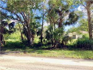 Featured Property in Vero Beach, FL 32968