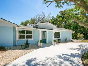 Featured Property in Sarasota, FL 34234
