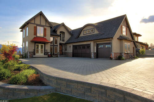 Featured Property in WEST KELOWNA, BC,