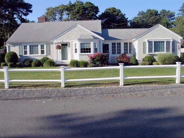 Single Family for Sale at 48 Davenport Rd West Dennis, Massachusetts 02670 United States