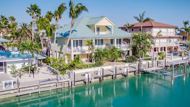 Single Family for Sale at 358 E Seaview Dr Duck Key, Florida 33050 United States