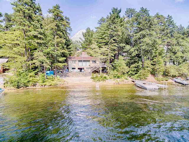Single Family for Sale at 35 Bay Point Road Ossipee, New Hampshire 03864 United States