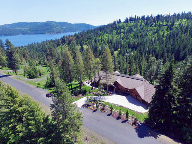 Single Family for Sale at 5610 W Mylonite Dr Coeur D Alene, Idaho 83814 United States