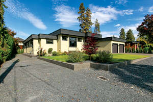Featured Property in Kelowna, BC V1W 1C2