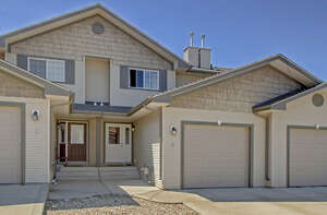 Featured Property in Sylvan Lake, AB T4S 2P6