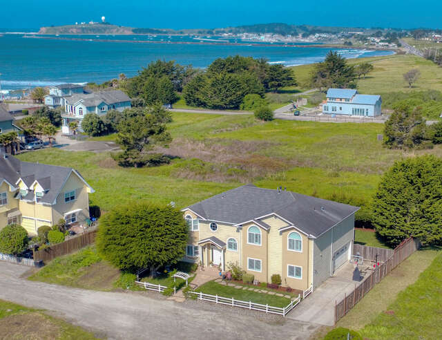 Single Family for Sale at 241 Cortez Ave Half Moon Bay, California 94019 United States