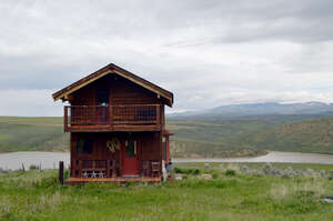 Featured Property in Hayden, CO