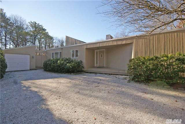 Single Family for Sale at 25 Pheasant Run Quogue, New York 11959 United States