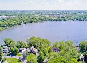 Featured Property in Grayslake, IL 60030