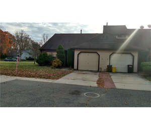 Featured Property in EAST BRUNSWICK, NJ, 08816