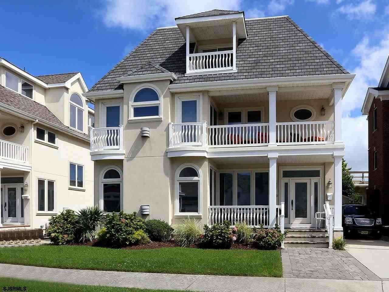 Single Family for Sale at 113 S Harvard Ventnor, New Jersey 08406 United States