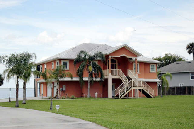 Single Family for Sale at 165 Tiffany Ct Crescent City, Florida 32112 United States