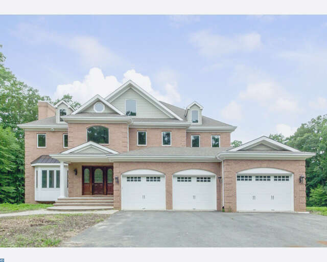 Single Family for Sale at 17 Trotter Way Cream Ridge, New Jersey 08514 United States