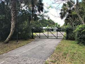 Featured Property in Indiantown, FL 34956