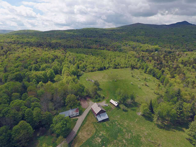 Single Family for Sale at 49 Beebe Road Wilmington, Vermont 05363 United States