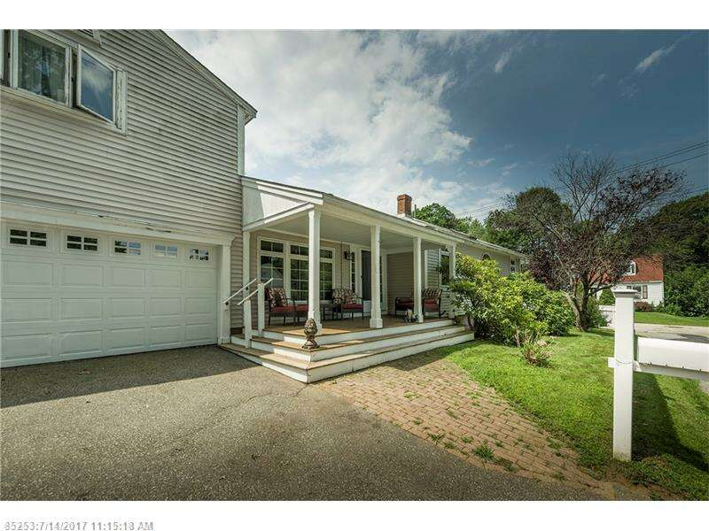 Single Family for Sale at 4 Main St Kittery, Maine 03904 United States