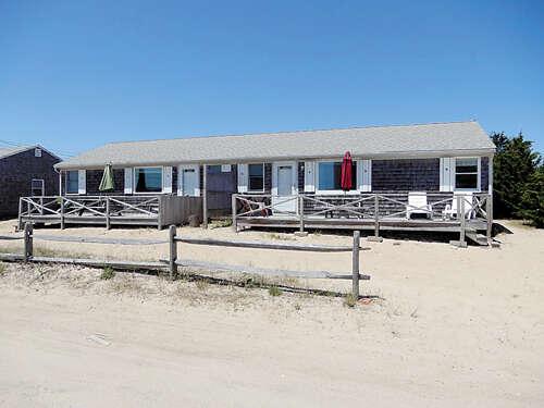 Single Family for Sale at 6 Leeward Lane West Dennis, Massachusetts 02670 United States
