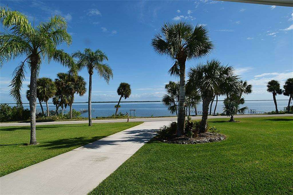 Single Family for Sale at 4305 S Indian River Drive Fort Pierce, Florida 34982 United States