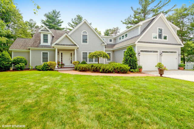 Single Family for Sale at 68 Eagle Drive Mashpee, Massachusetts 02649 United States