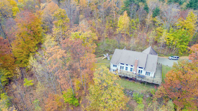 Single Family for Sale at 206 Highland Woods Drive Shaftsbury, Vermont 05262 United States