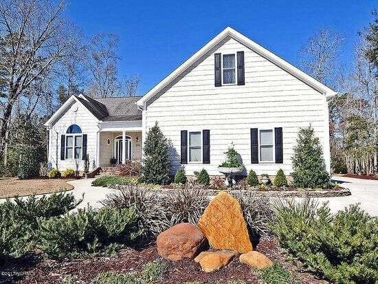 Single Family for Sale at 208 Ottaway Court Hampstead, North Carolina 28443 United States