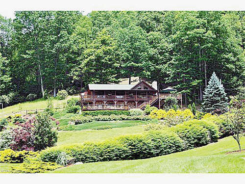 Single Family for Sale at 402 Grassy Gap Road Clyde, North Carolina 28721 United States