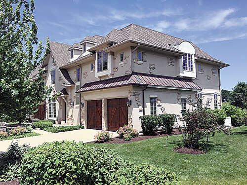 Condominium for Sale at 12 Willow Crest Drive Oak Brook, Illinois 60523 United States