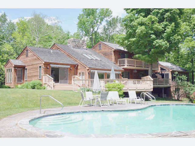 Single Family for Sale at 322 Green Peak Orchard South Road Dorset, Vermont 05251 United States