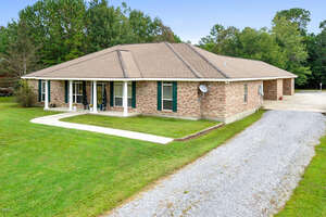 Featured Property in Pass Christian, MS 39571
