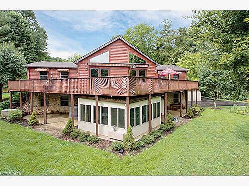 Single Family for Sale at 382 Cove Creek Lane Mars Hill, North Carolina 28754 United States