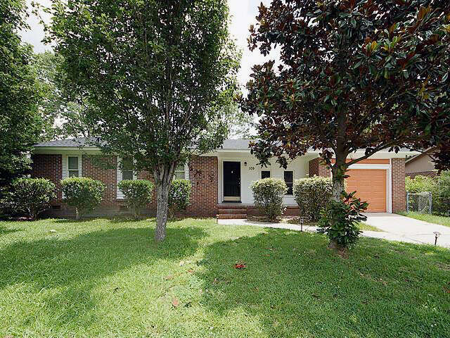 Real Estate for Sale, ListingId:46618700, location: 109 Gardenia Street Summerville 29483