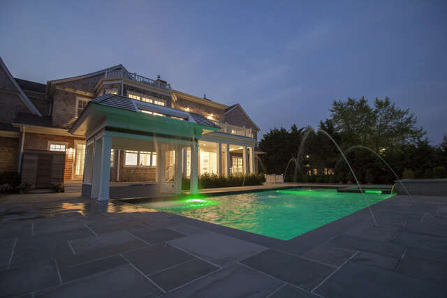 Single Family for Sale at 26 Parrish Pond Lane Southampton, New York 11968 United States