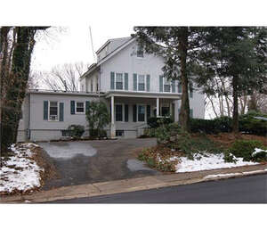 Featured Property in METUCHEN, NJ, 08840