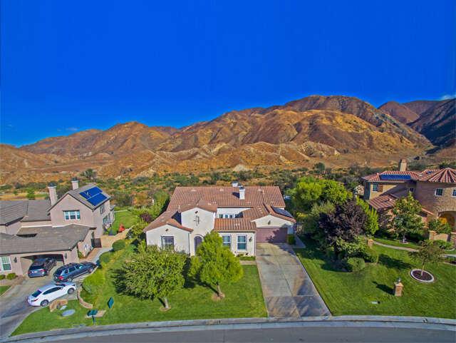 Single Family for Sale at 15120 Live Oak Springs Canyon Rd Santa Clarita, California 91387 United States