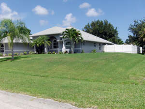 Featured Property in Pt St Lucie, FL 34952