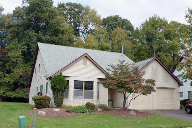 Featured Property in MARLBORO, NJ, 07746