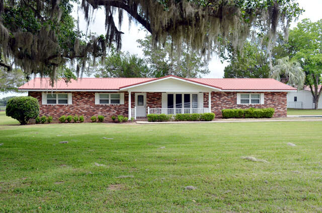 Single Family for Sale at 16325 NW Highway 464b Morriston, Florida 32668 United States
