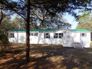 Featured Property in Chiefland, FL 32626