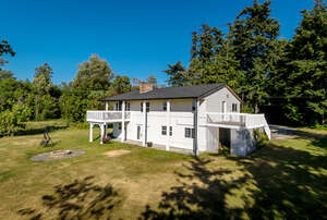 Featured Property in Camano Island, WA 98282