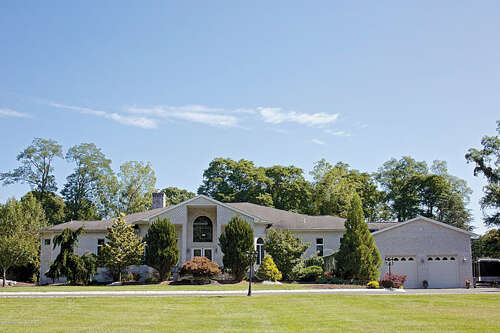 Single Family for Sale at 27 Revolutionary Colts Neck, New Jersey 07722 United States