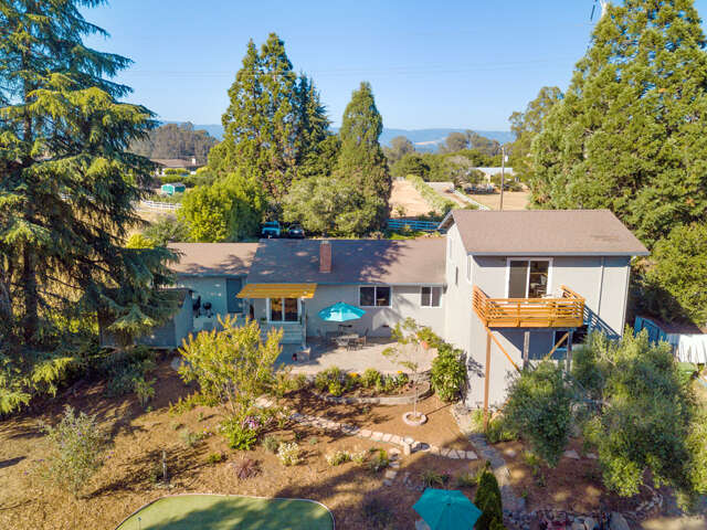 Single Family for Sale at 207 Old Adobe Road Watsonville, California 95076 United States