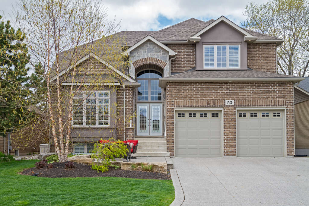 Home Listing at 53 Creanona Blvd, STONEY CREEK, ON