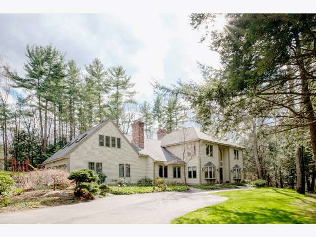 Single Family for Sale at 25 Winding Brook Dr Stratham, New Hampshire 03885 United States