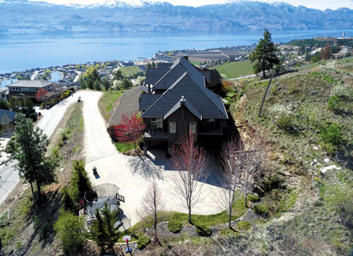 Featured Property in WEST KELOWNA, BC, V4T 2Y7