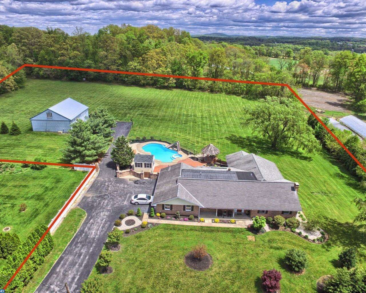 Single Family for Sale at 124 Kutz Road Fleetwood, Pennsylvania 19522 United States