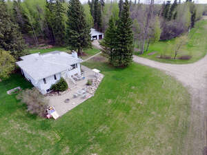 Featured Property in Wabamun, AB T0E 2K0