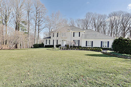 Single Family for Sale at 12 Fieldpoint Drive Holmdel, New Jersey 07733 United States