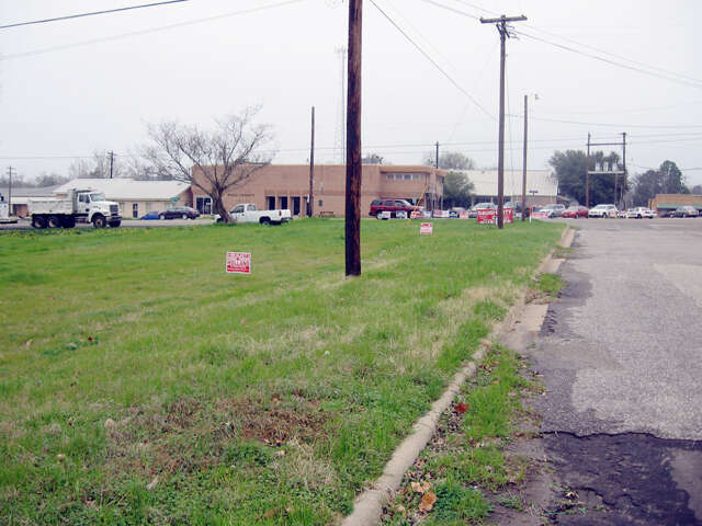 Home Listing at 207 S Smart St., QUITMAN, TX