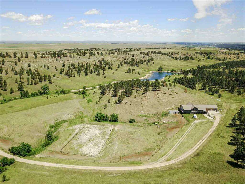 Single Family for Sale at 19170 Elk Run Lane Belle Fourche, South Dakota 57717 United States