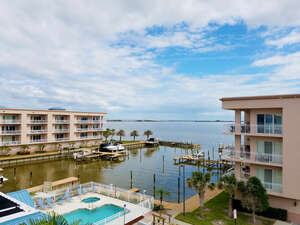 Featured Property in Merritt Island, FL 32952